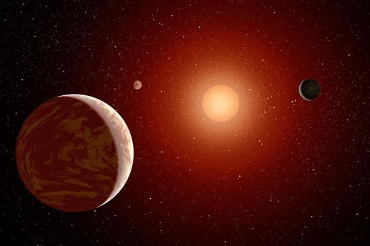 800px-Planets_Under_a_Red_Sun